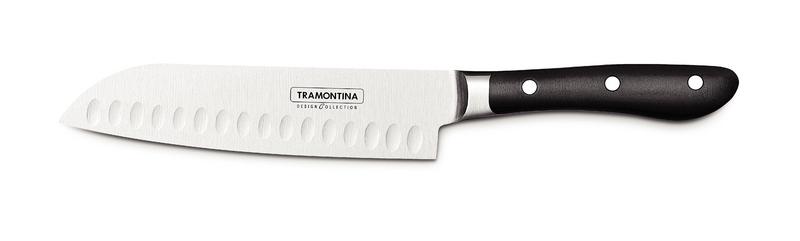 """Классический нож сантоку из лимитированной серии ProChef, которая входит в линейку дизайнерской посуды Design Collection. Нож выполнен из высококачественной нержавеющей стали KRUPP 1.4110 с эргономичной рукоятью. Нож отлично выполнен и идеально ляжет практически в любую руку. Прекрасно подойдет для людей, которым классический шеф-нож не """"лег в руку"""". Длина лезвия - 180 мм. Ширина лезвия - 42 мм. Толщина у обуха - 2,8 мм. (к кончику ножа толщина уменьшается до 1/3 мм). Длина рукояти - 128 мм. Вес ножа - 217 грамм.Отличие линейки Design Collection от обычной продукции Tramontina в том, что все изделия выпускают в ограниченном количестве. Каждый нож упакован в картонную коробку на бархатной подложке, что прекрасно подойдет для подарка. Рукоятки ножей выполнены из поликарбоната со стекловолокном, который по сравнение с широко используемым бакелитом, более долговечен, надежен, плюс выдерживает более значительные температуры, 200 градусов, а не 170 по Цельсию. Лезвие из стали высочайшего качества особой закалки глубоким охлаждением обеспечивает ножу отличную износостойкость. Используется хромомолибденовая высокоуглеродистая сталь 1.4110 KRUPP. В этой стали больше углерода и обеспечивающего коррозионную стойкость хрома, чем в AISI 420, более того, добавляется молибден. Метод производства ножей серии ProChef - ковка в штампах. Твердость ножей порядка 55/58 HRC."""