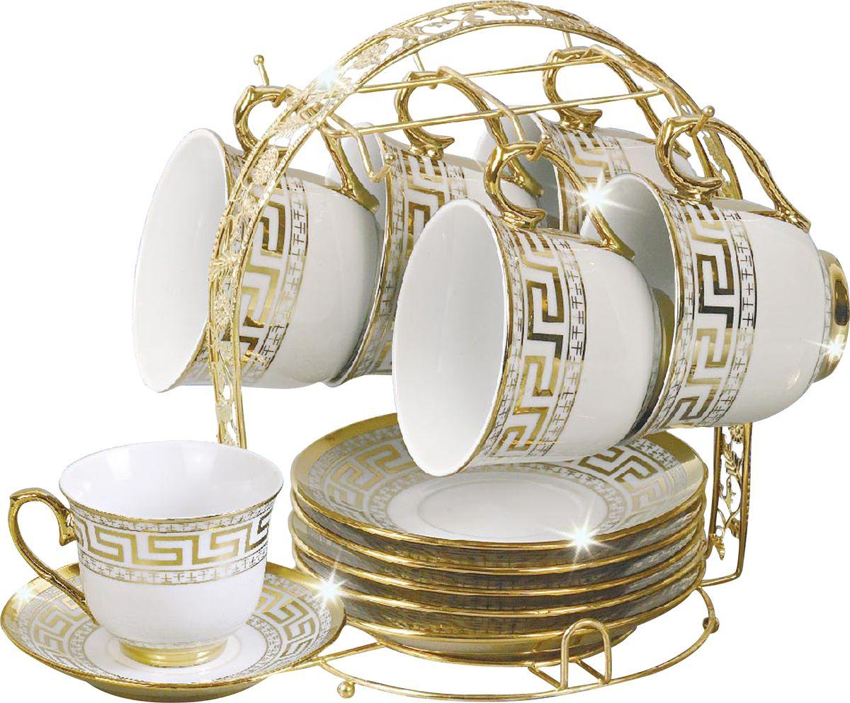"""Чайный сервиз """"Bohmann"""" станет незаменимым элементом среди коллекции вашей посуды. Ежедневное чаепитие в компании семьи или друзей ни с чем не сравнить. И тут не обойтись без красивой посуды, из которой приятно выпить ароматного чаю. Посуда выполнена из качественного белого фарфора, украшенного изящным узором.12 предметов на 6 персон на подставке."""