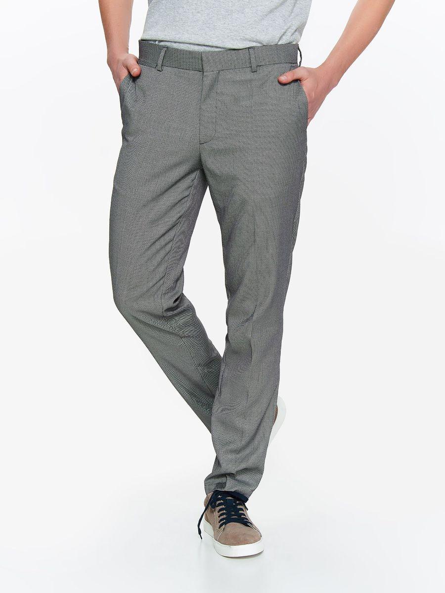 Брюки мужские Top Secret, цвет: серый. SSP2789SZ. Размер 36 (52)SSP2789SZСтильные мужские брюки Top Secret выполнены из комбинированного материала. Брюки застегиваются на ширинку с застежкой-молнией, а также на пуговицу в поясе. На поясе расположены шлевки для ремня. Брюки оснащены втачными карманами Модель прямого кроя и стандартной посадки отлично подойдет для создания повседневного образа.