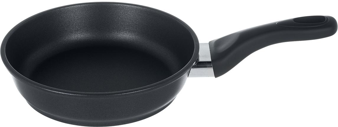 """Сковорода """"Renard"""" изготовлена из литого алюминия с антипригарным покрытием высокого качества. Оснащена ручкой с покрытием """"soft-touch"""". На ручке есть ушко для подвешивания.   Можно мыть в посудомоечной машине."""