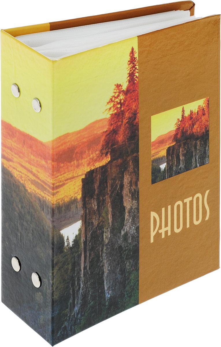 """Фотоальбом Platinum """"Ландшафт-4"""" имеет пластиковые листы с заклепками.Характеристики: Кол-во фотографий: 100Размер фотографии: 10 х 15 см."""