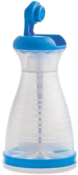 Ладья-рассеиватель выполнена из пищевого нетоксичного полимера, не вступающего в химическую реакцию с продуктами. Под герметичной крышкой Ладьи посыпка не контактирует с влагой и посторонними запахами, ее можно хранить длительное время, расходуя по необходимости.На основание рассеивателя нанесены мерные деления для точного измерения объема.С помощью Ладьи удобно присыпать мукой Пельменницу или форму для круассанов Кудесница. Посыпьте сахарной пудрой мягкие вафли, испеченные в силиконовой форме Tupperware.Чтобы наполнить Ладью содержимым, закройте верхнюю крышку, переверните изделие донышком вверх, снимите нижнюю крышку и решетку с лопастью. Засыпьте муку, сахарную пудру или порошок какао и соберите в обратном порядке.За суженное горлышко Ладью удобно держать в руках. Складная ручка откидывается на 180 градусов для удобства вращения. Таким способом следует просеивать муку.Чтобы аккуратно присыпать Ваши блюда сахарной пудрой или порошком какао, приведите ручку Ладьи в закрытое положение и вращайте верхнюю крышку целиком – так дозируется меньший объем посыпки.Ладья полностью разбирается для удобства промывания. Обратите внимание: чтобы снять вращающуюся лопасть, переверните сито лопастью от себя, поверните кнопку-крепеж таким образом, чтобы ее выступ совпал с выемкой на сите, и выдавите лопасть легким движением.Промывайте все части Ладьи-рассеивателя вручную мягкой губкой с жидким моющим средством или в посудомоечной машине.