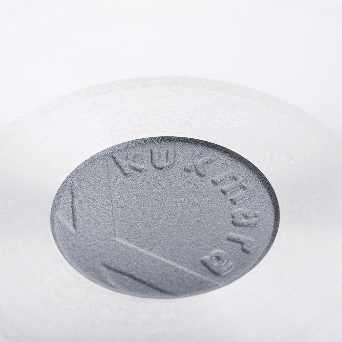 """Сотейник """"Kukmara"""" изготовлен из литого алюминия с экологически безопасным антипригарным покрытием """"Greblon"""".    Особенности сотейника """"Kukmara"""":  значительная толщина стенок и дна исключает деформацию корпуса сотейника, гарантирует ее долговечность, обеспечивает необходимую прочность покрытия;  высококачественное антипригарное покрытие без содержания PFOA и PTFE;  идеальное распределение тепла по всей поверхности посуды, длительное сохранение тепла;  возможность использования минимального количества жира;  две ненагревающиеся съемные ручки из бакелита;  стеклянная крышка с металлическим ободом и отверстием для выпуска пара позволяет следить за процессом приготовления пищи;  антипригарное покрытие наносится методом напыления, который гарантирует исключительную стойкость покрытия при эксплуатации;  мелкие царапины и небольшие потертости на поверхности сотейника не влияют на свойства антипригарного покрытия и долговечность посуды;  продукты не пригорают и сохраняют свой вкус;  утолщенное дно до 6 мм;  высокая теплопроводность и эргономичность;  легкость мытья;  подходит для всех типов плит, кроме индукционных;  можно мыть в посудомоечной машине.    Стенка сотейника состоит из 5 слоев:  высококачественное антипригарное покрытие, усиленное керамикой;  грунтовой слой;  слой с шероховатой поверхностью для лучшего сцепления с поверхностью;  литой алюминиевый корпус толщиной до 6 мм;  наружный декоративный слой.    Сотейник """"Kukmara"""" позволит превратить обыкновенный процесс приготовления пищи в приятное и легкое занятие для любой хозяйки. Характеристики:   Материал: литой алюминий, бакелит, стекло. Внутренний диаметр сотейника: 30 см. Диаметр диска сотейника: 21,5 см. Высота стенок сотейника: 8,4 см. Толщина стенок сотейника: 0,6 см. Толщина дна сотейника: 0,6 см. Длина ручек сотейника: 15 см. Размер упаковки: 32 см х 32 см х 11,5 см. Артикул: с308а."""