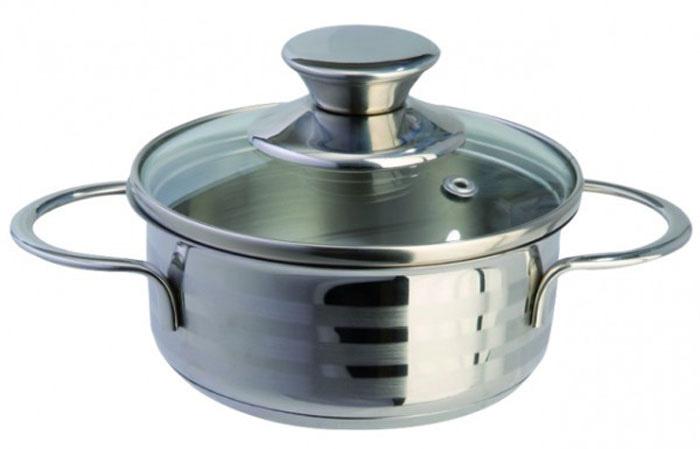 """Кастрюля Regent Inox """"Bimbo Vitro"""" выполнена из высококачественной нержавеющей стали с комбинированным полированием. Крышка, изготовленная из термостойкого стекла, снабжена металлическим ободком для прочности и более плотного закрывания, а также отверстием для выпуска пара.  В кастрюле Regent Inox """"Bimbo Vitro"""", изготовленной из экологически чистого материала, можно готовить без масла или жира, в этой посуде сохраняются все полезные свойства продуктов и естественные вкусовые качества. Оптимальное соотношение толщины дна и стенок посуды обеспечивает равномерное распределение тепла, экономит энергию, делает посуду устойчивой к деформации. Многослойное капсулированное дно аккумулирует тепло, способствует быстрому закипанию и приготовлению пищи даже при небольшой мощности конфорок. Крепление ручек посуды к корпусу методом точечной сварки обеспечивает минимальный нагрев, прочность и надежность.  Кастрюля Regent Inox """"Bimbo Vitro"""" подходит для всех видов кухонных плит, включая индукционные. Можно мыть в посудомоечной машине.  Кастрюля Regent Inox """"Bimbo Vitro"""" функциональна, гигиенична и эргономична, а благодаря компактным размерам в ней очень удобно готовить пищу для ребенка. Характеристики:  Материал: нержавеющая сталь, стекло.  Объем кастрюли: 0,6 л.  Внутренний диаметр кастрюли: 12 см.  Высота стенок кастрюли: 5 см.  Толщина стенок кастрюли: 0,5 мм.  Толщина дна кастрюли: 3 мм.  Артикул: 93-BIMv-01."""