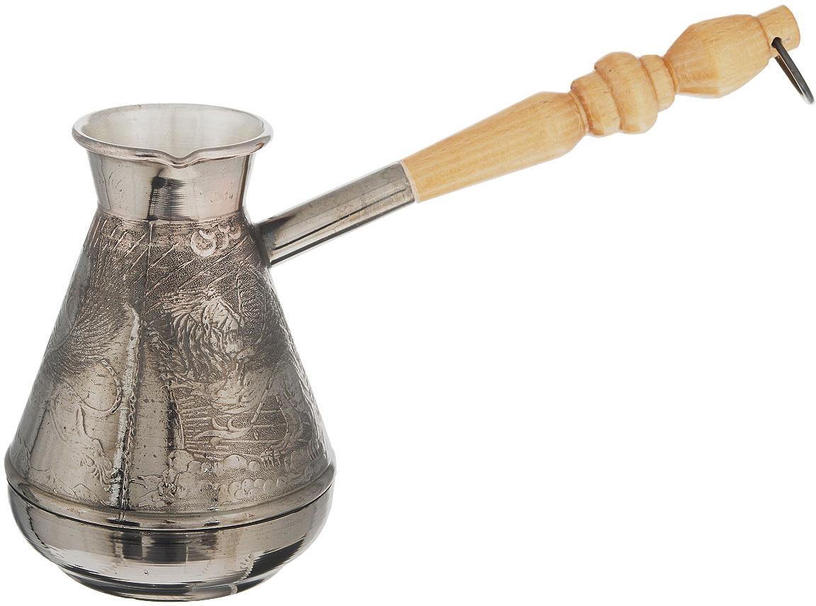 """Турка для варки кофе """"Станица"""" изготовлена из меди с добавлением латуни. Внешняя поверхность имеет декоративное теснение, что придает изделию оригинальный внешний вид. Турка оснащена небольшим носиком и удобной не нагревающейся деревянной ручкой с петелькой для подвешивания. Надежное крепление ручки гарантирует безопасное использование.  Такая турка будет красивым дополнением в вашем уютном доме.  Подходит для всех типов плит, кроме индукционных. Можно мыть в посудомоечной машине.   Объем: 380 мл.  Диаметр (по верхнему краю): 5 см.  Диаметр основания: 6 см. Наибольший диаметр: 8,7 см. Высота турки: 11,9 см.  Длина ручки: 15 см.  УВАЖАЕМЫЕ КЛИЕНТЫ!  Обращаем ваше внимание на возможные изменения в дизайне рисунка. Поставка осуществляется в зависимости от наличия на складе."""