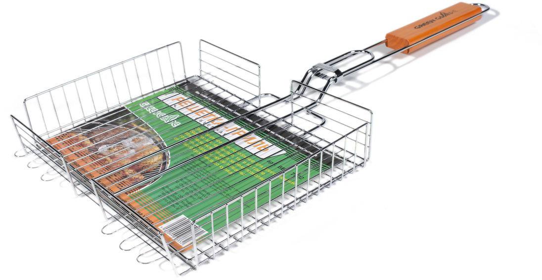 """Двойная объемная решетка-гриль """"Green Glade"""" изготовлена из высококачественной нержавеющей стали с пищевым никелированным покрытием. Это идеальное приспособление для приготовления барбекю как на мангале, так и на гриле. На решетке удобно размещать стейки, ребрышки, сосиски и т.д. Изменяющаяся толщина зажима позволяет готовить продукты любой толщины: от тонкого куска мяса до курицы.  Предназначена для приготовления пищи на углях. Блюда получаются сочными, ароматными, с аппетитной специфической корочкой.  Рукоятка изделия оснащена деревянной вставкой и фиксирующей скобой, которая зажимает створки решетки.  Размер рабочей поверхности решетки: 31 см х 25 см.  Общая длина решетки (с ручкой): 65 см.  Высота стенки решетки: 5,5 см."""