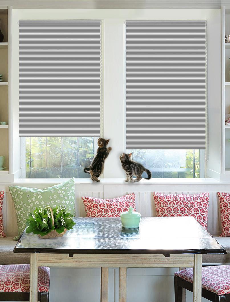Штора рулонная Эскар Райли, цвет: серый, ширина 62 см, высота 160 см38051062160Рулонными шторами можно оформлять окна как самостоятельно, так и использовать в комбинации с портьерами. Это поможет предотвратить выгорание дорогой ткани на солнце и соединит функционал рулонных с красотой навесных. Преимущества применения рулонных штор для пластиковых окон: - имеют прекрасный внешний вид: многообразие и фактурность материала изделия отлично смотрятся в любом интерьере;- многофункциональны: есть возможность подобрать шторы способные эффективно защитить комнату от солнца, при этом она не будет слишком темной. - Есть возможность осуществить быстрый монтаж.ВНИМАНИЕ! Размеры ширины изделия указаны по ширине ткани! Во время эксплуатации не рекомендуется полностью разматывать рулон, чтобы не оторвать ткань от намоточного вала. В случае загрязнения поверхности ткани, чистку шторы проводят одним из способов, в зависимости от типа загрязнения:- легкое поверхностное загрязнение можно удалить при помощи канцелярского ластика;- чистка от пыли производится сухим методом при помощи пылесоса с мягкой щеткой-насадкой;- для удаления пятна используйте мягкую губку с пенообразующим неагрессивным моющим средством или пятновыводитель на натуральной основе (нельзя применять растворители).