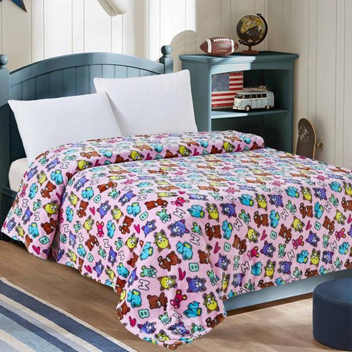 """Нежнейший плед в детскую кроватку выполнен из современного материала """"Велсофт"""" - ткань напоминает на ощупь плюшевую игрушку. Материал гипоаллергенен, плед легкий и в то же время теплый. Приятная расцветка пледа создаст в детской комнате уют и приятную атмосферу. Размер: 95 х 130 см."""