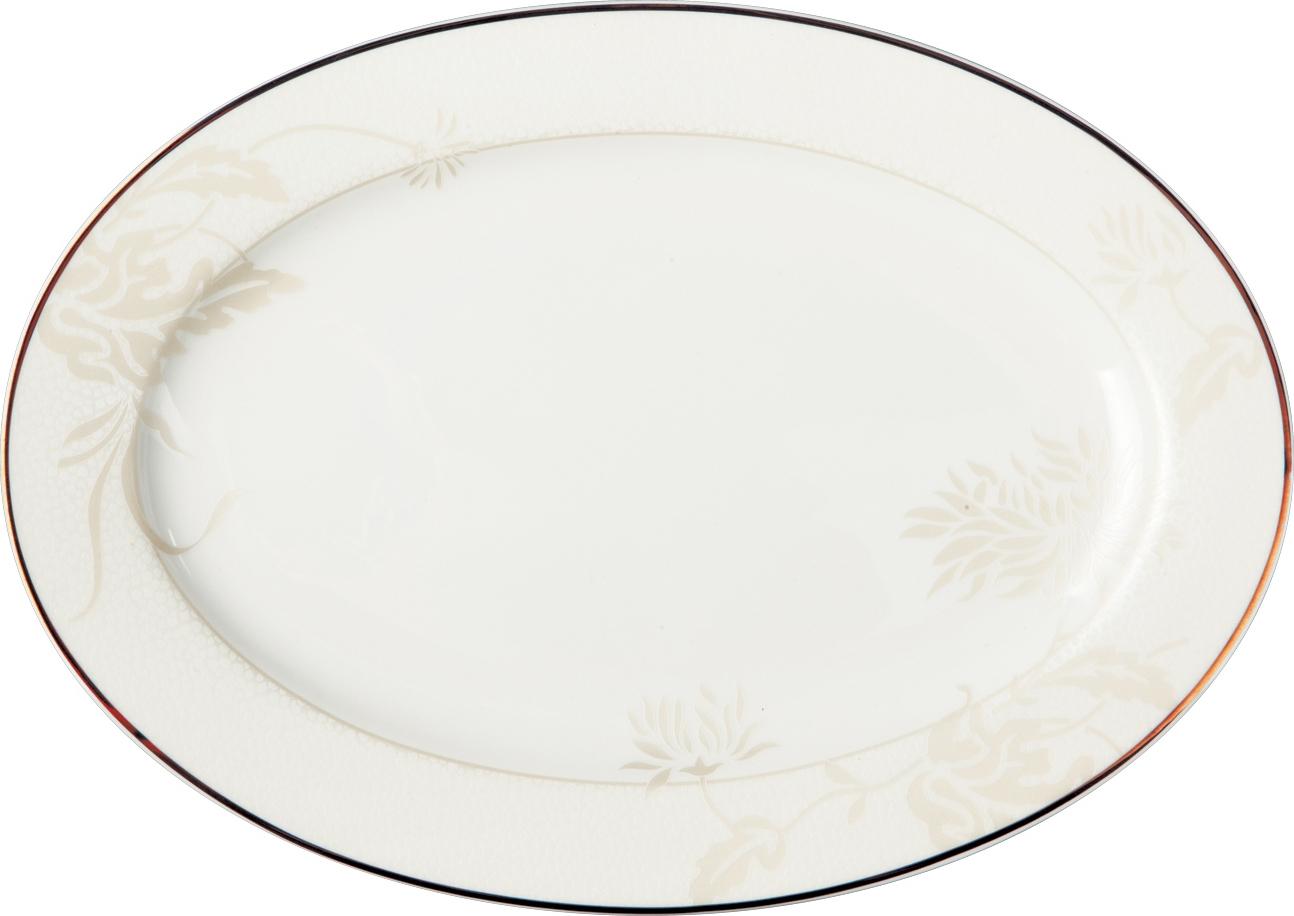 """Фарфор """"Royal Aurel"""" отличается исключительной белизной, что объясняется уникальными компонентами и традиционной технологией, по которой он был изготовлен.   Белая глина из провинции  Фуцзянь и традиционные рецепты китайских мастеров создают неповторимую композицию.   Дизайн коллекций выполнен в соответствии с актуальными европейскими тенденциями.   Это блюдо станет украшением  вашего стола.    Материал: костяной фарфор."""