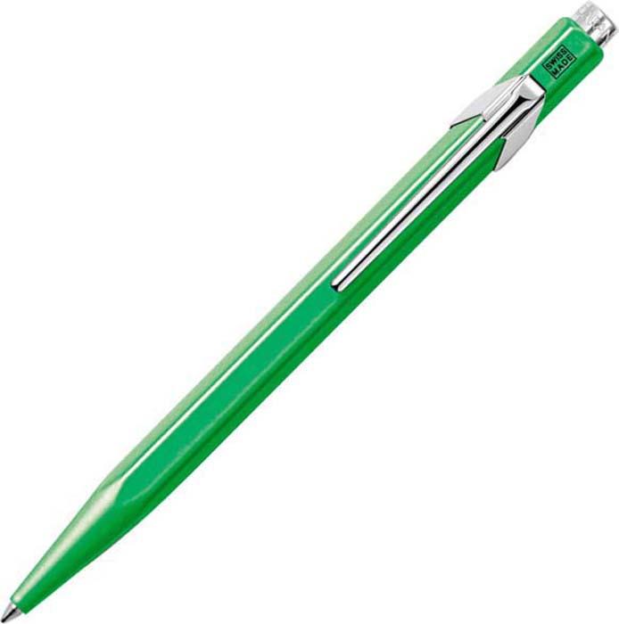 Caran dAche Ручка шариковая Office 849 Pop Line цвет корпуса: зеленый, цвет чернил: синий849.730Шариковые ручки коллекции этого года являются повторным изданием первой ручки из одноименной коллекции. Металлический корпус ручки обработан специальным способом с использованием исключительно натуральных материалов. Это придает пишущим принадлежностям некую состаренность, а великолепная отделка прекрасно соответствует стилю Ретро, который угадывается во всех аспектах формы и дизайна ручки. Лаковое покрытие защищает пишущие инструменты от царапин и других повреждений. Стальной стержень с пишущим узлом из карбида и вольфрама, пишет мягко и не течет.Одной из специальных черт коллекции ручек 849 является шестигранный корпус. Ручки легко держать в руке, и можно легко и без усталости писать долгое время.Благодаря эргономичной нажимной кнопке с ними легко управляться. Это идеальные пишущие инструменты для ежедневного использования.
