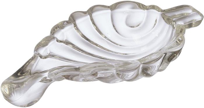 Небольшая стеклянная тарелка в виде листка прекрасно подходит для сервировки таких закусок, как оливки и икра.