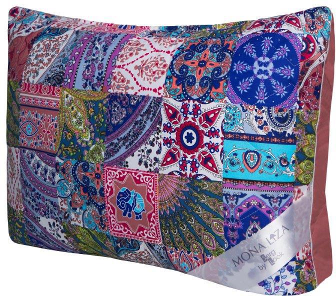 """Подушка Mona Liza """"Persia"""" подарит вам незабываемое чувство комфорта и умиротворения. Благодаря технологии Soft-Control высоту и мягкость подушки можно регулировать, меняя количество наполнителя.В качестве наполнителя используется полиэфирное волокно (шарики).Одна сторона подушки оформлена рисунком в стиле """"петчворк"""", другая сторона - материал-компаньон цвета """"пыльная роза"""". Декоративный кант оформляет изделие по контуру. Стеганый чехол выполнен из тика (100% полиэстер) и дополнен молнией.Чехол при необходимости можно стирать."""