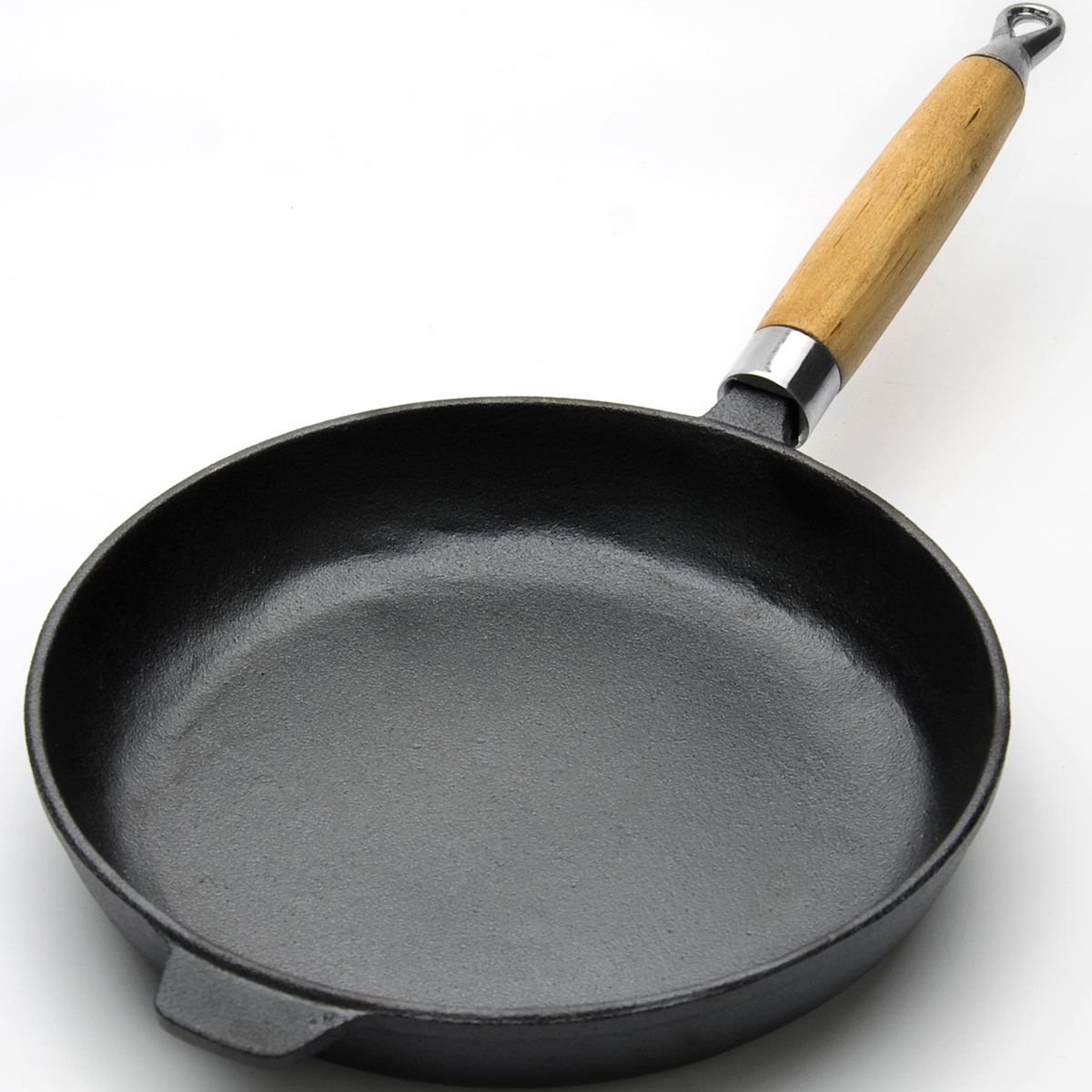 Сковорода MAYER&BOCH изготовлена из чугуна, традиционного высокопрочного и экологически чистого материала. Сковорода идеально подходит для приготовления блинов и других жареных блюд. Высокая теплоемкость чугуна позволяет ему сильно нагреваться и медленно остывать, что обеспечивает равномерное приготовление пищи. Деревянная ручка выполнена из бука. Чугун не вступает в реакцию с пищей в процессе ее приготовления, а стойкое антипригарное покрытие обеспечивает легкое снятие блюда со сковороды. Подходит для использования на всех типах плит, включая индукционные. Подходит для мытья в посудомоечной машине.