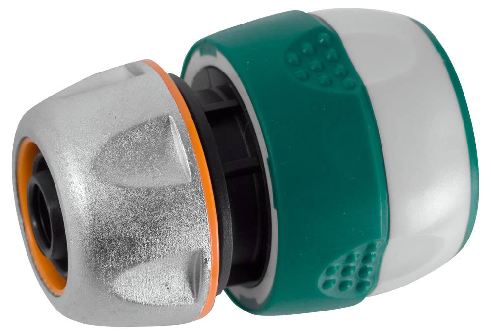 """Соединитель RACO (шланг-насадка) применяется для быстрого и надежного соединения шланга 1/2"""" с любой насадкой. Использование ударопрочного пластика позволяет предотвратить протечки. Цинковый сплав защищает изделие от коррозии. Мягкая термопластичная резина повышает удобство в работе. Изделие совместимо с другими поливочными системами RACO, а также аналогичными системами других производителей.-Диаметр: 1/2"""";-Материал изделия: ABS-пластик; -Материал корпуса: цинковый сплав;-Материал покрытия: термопластичная резина."""