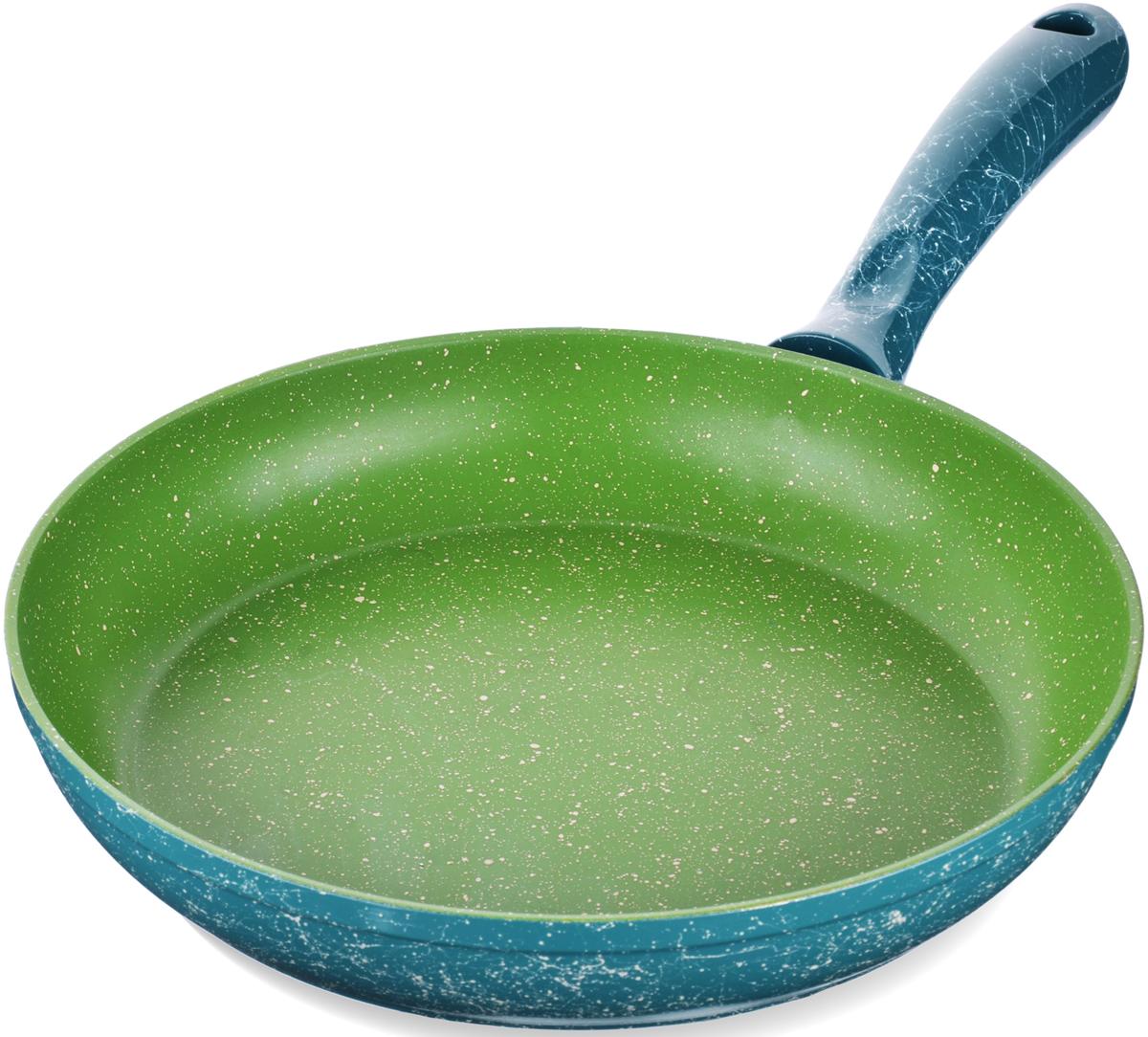 Сковорода с мраморной крошкой MAYER&BOCH выполнена из качественного литого алюминия и снабжена антипригарным покрытием особой прочности. Покрытие антипригарное жаропрочное, защищает сковороду от царапин, является экологически чистым и полностью безопасным, без вредных соединений и примесей. За счет того, что пища не пригорает и не пристает к покрытию сковороды, ее легко и быстро мыть. Прочное индукционное дно сковороды устойчиво к повреждениям и деформации. Эргономичная ручка из бакелита не нагревается и не скользит. Такая сковорода является незаменимой для жарки и тушения различных блюд. Подходит для использования на всех типах плит. Подходит для мытья в посудомоечной машине.