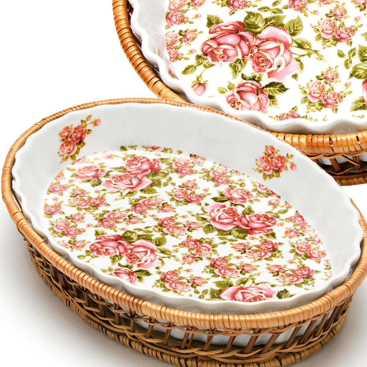 Овальная форма MAYER&BOCH выполнена из качественного фарфора белого цвета. Поверхность украшена изображением цветов. К форме прилагается плетеная корзинка из ротанга, выполняющая роль оригинальной подставки. Форма прекрасно подойдет для запекания овощей, мяса и других блюд, а благодаря своему оригинальному дизайну, она, несомненно, украсит ваш стол. Посуда не впитывает посторонние запахи, не имеет труднодоступных выступов или изгибов, которые накапливают грязь, и легко чистится. Фарфор выдерживает высокие перепады температуры, поэтому такую форму можно использовать в духовке, микроволновой печи, а также для хранения пищи в холодильнике. Подходит для мытья в посудомоечной машине. В комплекте: 1 форма, 1 плетеная корзинка.