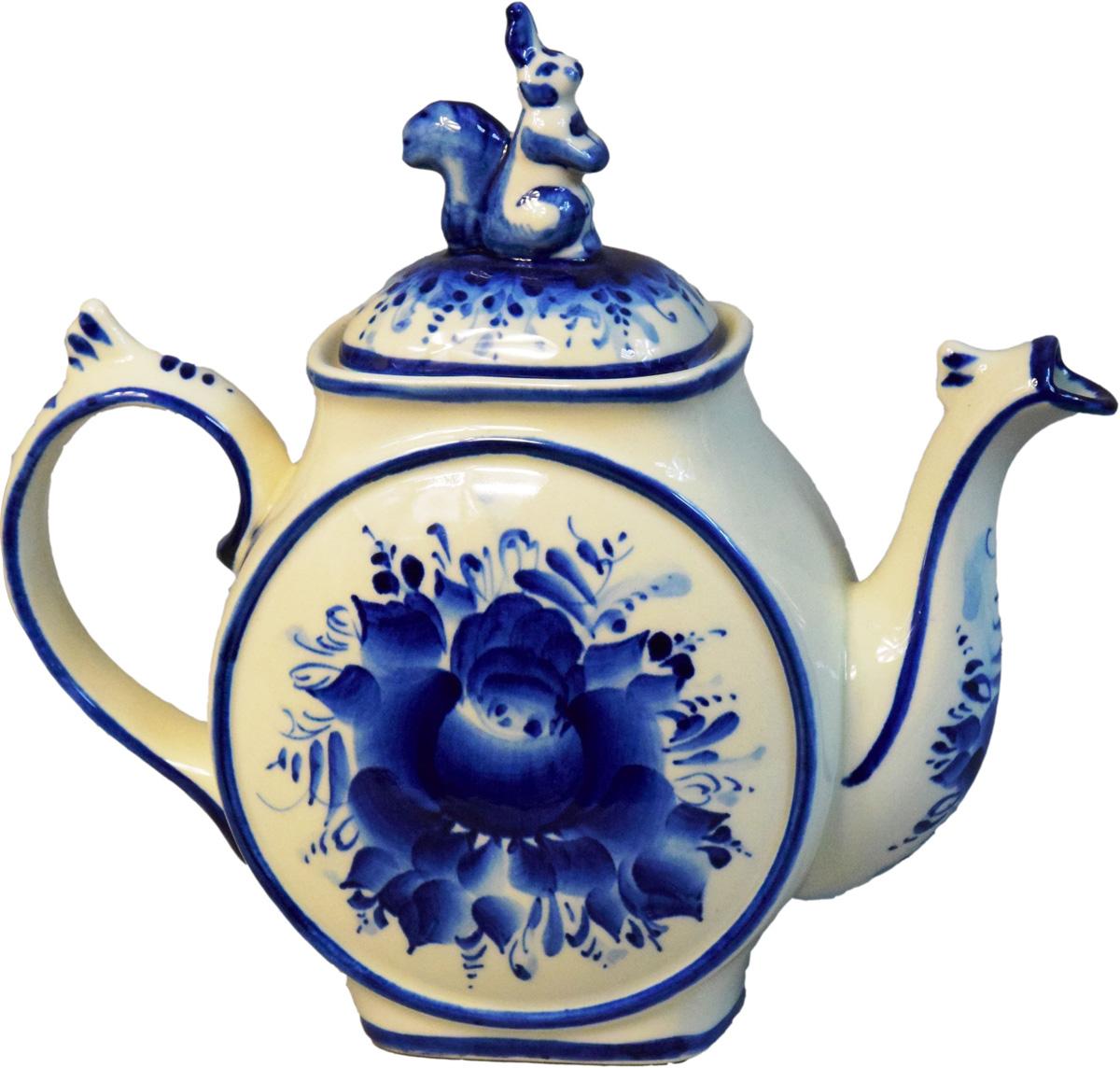 Авторская работа гжельского мастера станет центром вашего чаепития. Гжель - это красивый и функциональный подарок в русском стиле для мужчины или женщины на любой праздник. Тип росписи: Ручная подглазурная кобальтовая роспись. Рисунок на изделии может отличаться от изображения на фотографии.