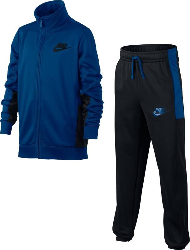 Спортивный костюм для мальчика Nike B Nsw Trk Suit Pac Poly, цвет: синий. 856206-433. Размер S (128/134)856206-433Boys Nike Sportswear Track Suit Современный спортивный стиль. Носи его как самостоятельный комплект или создавай яркие комбинации. Спортивный костюм для мальчиков Nike Sportswear — универсальный комплект из двух предметов из легкой ткани с начесом по изнаночной стороне для тепла. Куртка и брюки имеют карманы на молнии для надежного хранения и украшены контрастными элементами. Ткань из полиэстера с начесом по изнаночной стороне для тепла. Эластичный пояс с утягивающим шнурком для идеальной посадки. Карманы на брюках и куртке для надежного хранения.