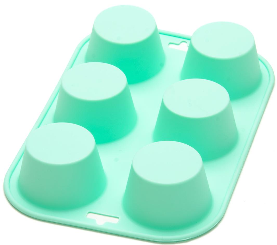 Форма для выпечки силиконовая Mayer & Boch, цвет: мятный, 500 мл. 26121-226121-2Фигурная форма Mayer & Boch выполнена из силикона и предназначена для изготовления конфет, мармелада, желе, льда и выпечки. На одной форме расположено несколько небольших формочек-ячеек. Силиконовая форма имеет много преимуществ по сравнению с традиционными металлическими формами и противнями. Она идеально подходит для использования в микроволновых, газовых и электрических печах при температурах до +250°С. В случае заморозки до -40°С. За счет высокой теплопроводности силикона изделия выпекаются заметно быстрее. Благодаря гибкости и антиприлипающим свойствам силикона, готовое изделие легко извлекается из формы. Для этого достаточно отогнуть края и вывернуть форму (выпечке дайте немного остыть, а замороженный продукт лучше вынимать сразу). Силикон абсолютно безвреден для здоровья, не впитывает запахи, не оставляет пятен, легко моется. С такой формой вы всегда сможете порадовать своих близких оригинальной выпечкой. Не используйте моющие средства, содержащие абразивы. Можно мыть в посудомоечной машине.
