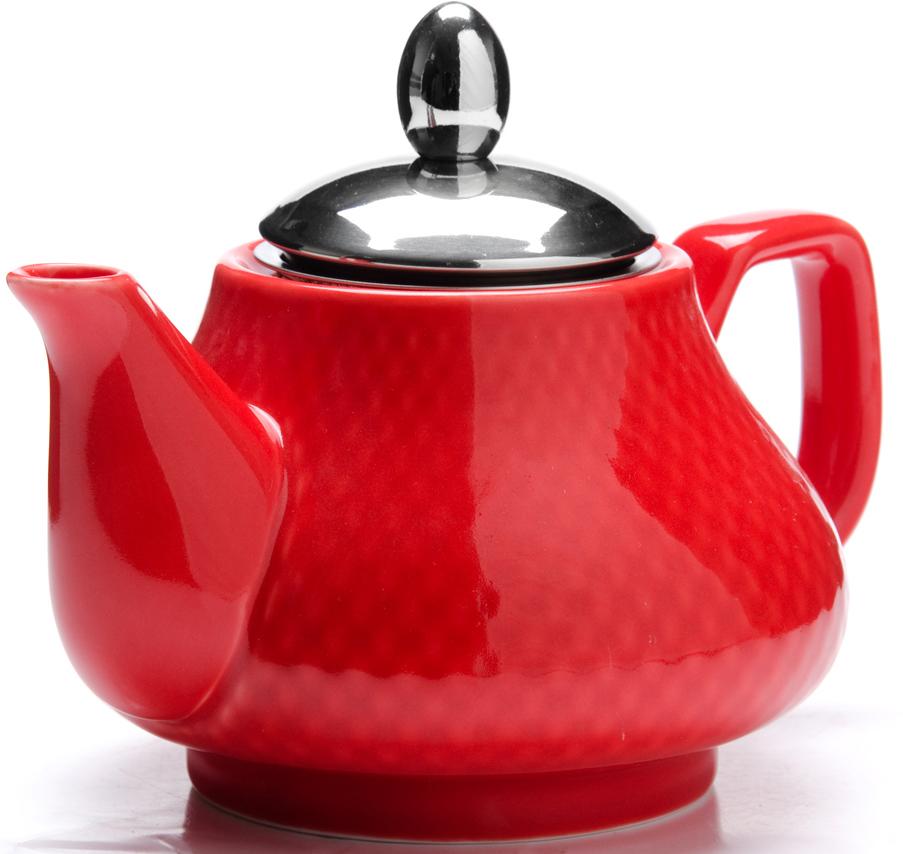 """Заварочный чайник """"Loraine"""" выполнен из высококачественной цветной керамики. Фильтр для заваривания из нержавеющей стали раскроет букет чая и не позволит чаинкам попасть в чашку. Удобная металлическая крышка поддержит нужную температуру для заваривания чая. Керамический чайник прост и удобен в применении, чайник легко мыть. Не ставьте чайник на открытый огонь и нагревающиеся поверхности. Подходит для мытья в посудомоечной машине."""