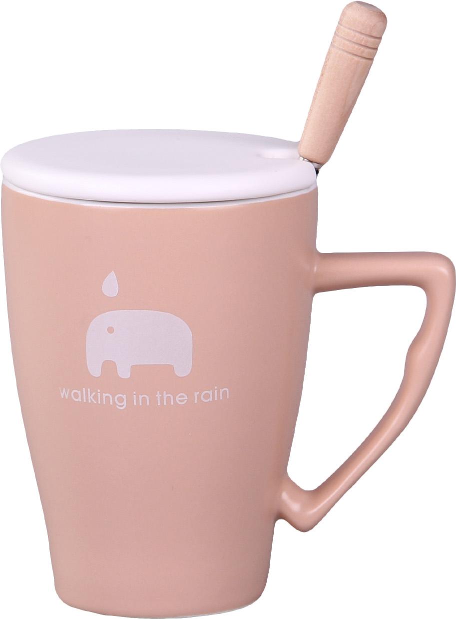 """Кружка с крышкой """"Patricia"""" выполнена из фарфора высокого качества. Благодаря удобной крышке вы сможете наслаждаться любимым горячим напитком намного дольше. А ложка поможет вам с легкостью размешать любимый напиток."""