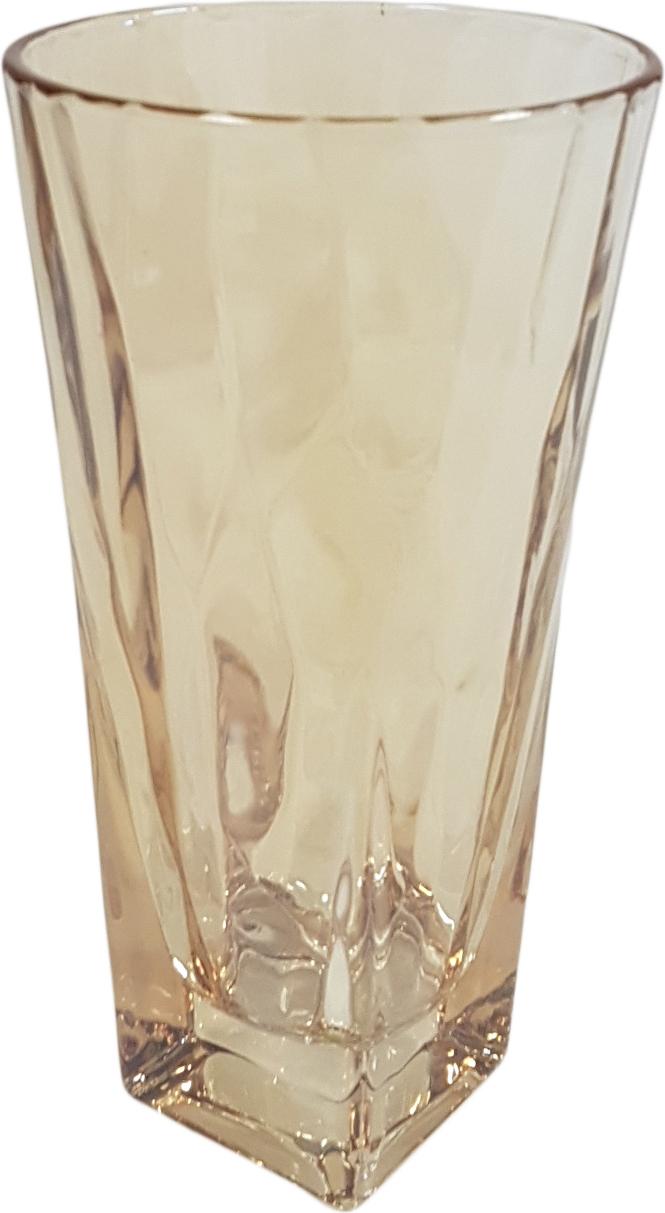 Набор стаканов Patricia, станет замечательным подарком на какое-либо торжество. Такой комплект будет отличным дополнением к набору посуды и отлично подойдет для сервировки стола. Стаканы можно использовать для подачи различных напитков. Посуда выполнена из высококачественного стекла и декорирована ярким узором.