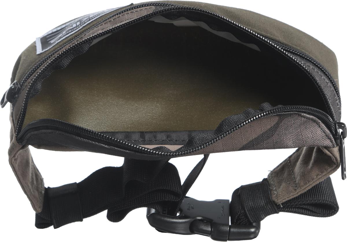 Поясная сумка с одним большим отделением и карманом на молнии спереди. Длина ремня довольно приличная.
