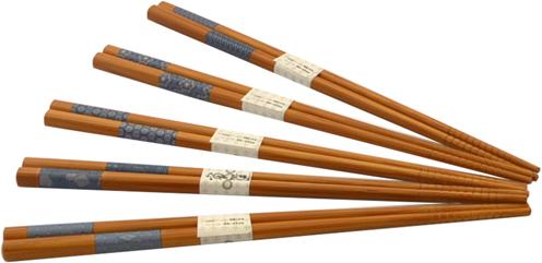 """Набор палочек для суши """"Fissman"""", сделанный из экологически чистого материала, будет радовать вас своей яркостью и модным дизайном."""