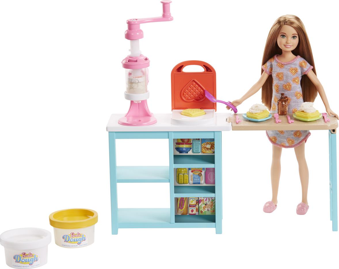 Barbie Игровой набор с куклой Завтрак со Стейси