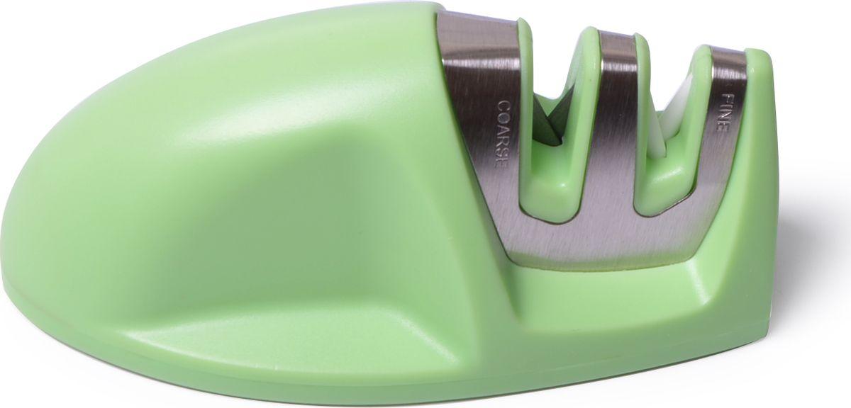 Точило для ножей от FISSMAN имеет двухуровневую заточку, затачивает лезвие целиком. Стальные прутики и керамические абразивные камни внутри прорези придают кромке лезвия V-форму под правильным углом. Удобный захват корпуса и нескользящие силиконовые вставки помогут вам легко и безопасно заточить ножи. Точило удобно использовать как правше, так и левше.