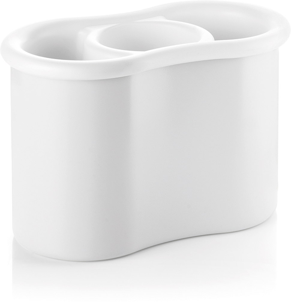 Самый необходимый предмет на любой кухне. Сушилка состоит из 3 отделений для раздельного хранения всех столовых приборов. Излишки воды собираются во внешней чаше, которая легко снимается, что так же удобно при мытье.  Forme casa - это серия доступных и практичных кухонных аксессуаров от Guzzini. Она отличается понятным и функциональным дизайном, который подходит для ежедневного использования. Товары коллекции представляют собой яркие и надежные инструменты для кухни с долгим сроком службы и привлекательными характеристиками. Вся продукция производится в Италии и соответствует международным стандартам качества.   Можно мыть в посудомоечной машине.