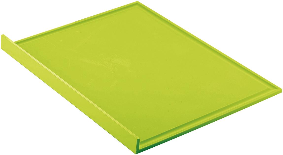 Разделочная доска для безопасного нарезания продуктов. Оснащена фиксирующим нескользящим краем, который прикрепляется к рабочей поверхности и удерживает доску в неподвижном положении.   Предназначена для использования с обеих сторон. Внешняя сторона подойдет для сухих и твердых продуктов, таких, как сыры, хлеб и зелень. Внутренняя сторона со специальными желобками по периметру позволит нарезать овощи, фрукты и мясо, не боясь, что сок или другая жидкость стечет на стол. Так же загнутый край поможет аккуратно высыпать нарезанные продукты в кастрюлю или сковороду.   Толщина доски - 0,5 см. Материал - полипропилен. Доска легко моется, в том числе, и в посудомоечной машине.