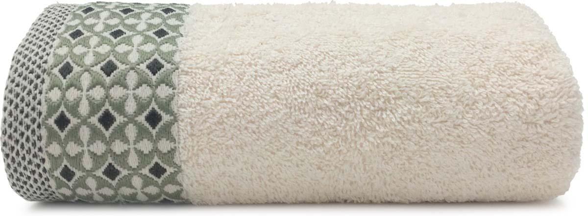 Полотенце Сlassic by Togas выполнено из 100% хлопка. Изделие отлично впитывает влагу, быстро сохнет, сохраняет яркость цвета и не теряет форму даже после многократных стирок. Такое полотенце очень практично и неприхотливо в уходе. Оно создаст прекрасное настроение и украсит интерьер в ванной комнате.