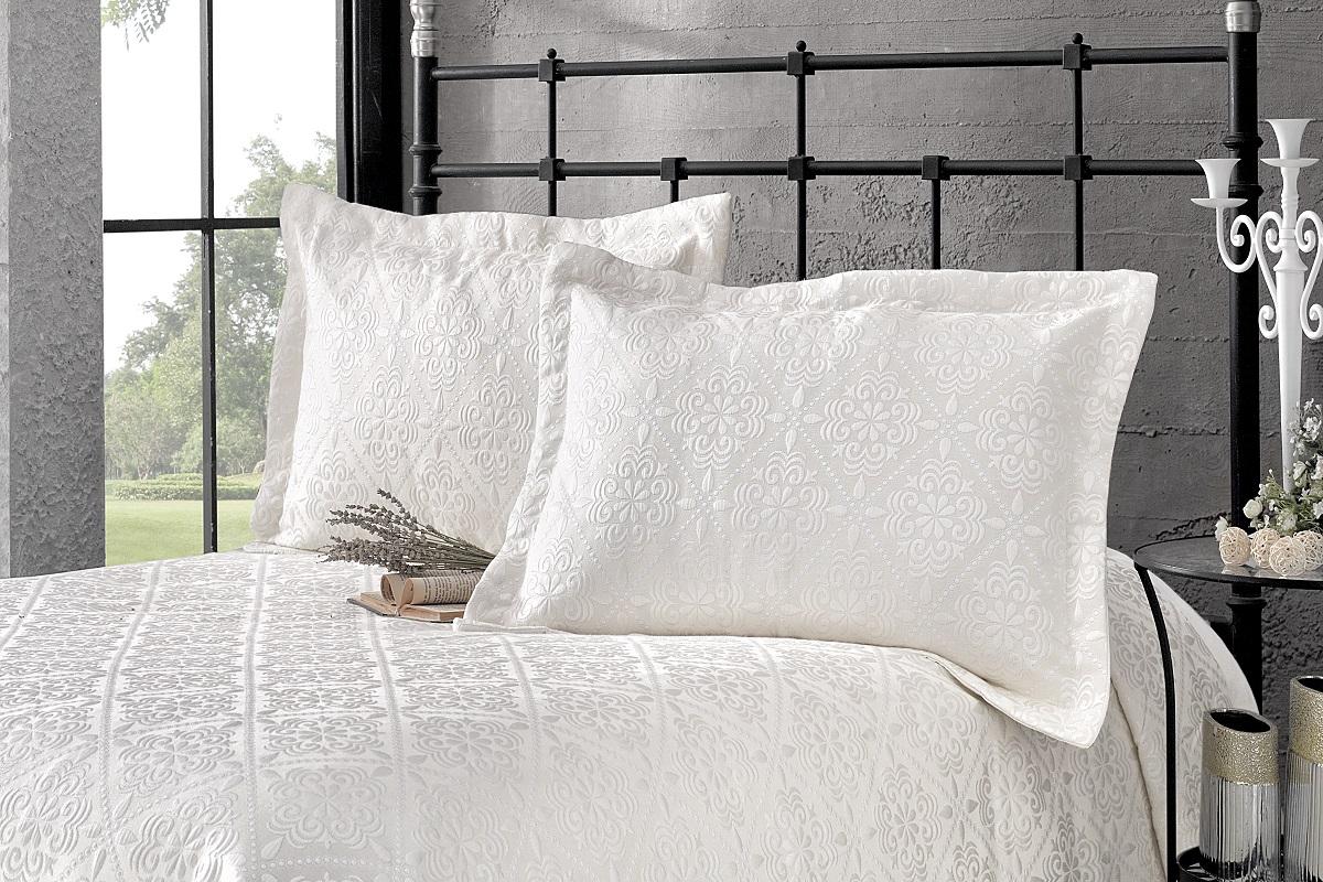 """Комплект для спальни Karna """"Afrodit"""": покрывало 180 x 260 см, 2 наволочки 50 х 70 см, цвет: светло-бежевый"""