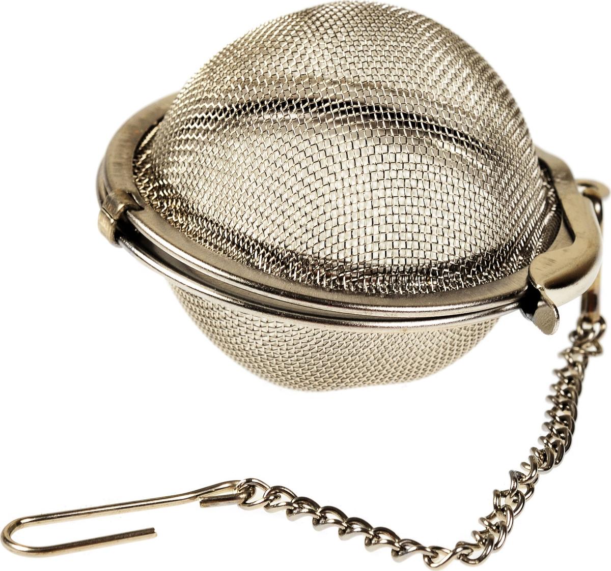 Ситечко для заваривания чая на цепочке с крючком. Вмещает достаточно большое количество заварки, благодаря чему его моно использовать для заваривания как в чайнике, на всех, так и в чашке, порционно. Ситечко удобно вешать на край посуды.
