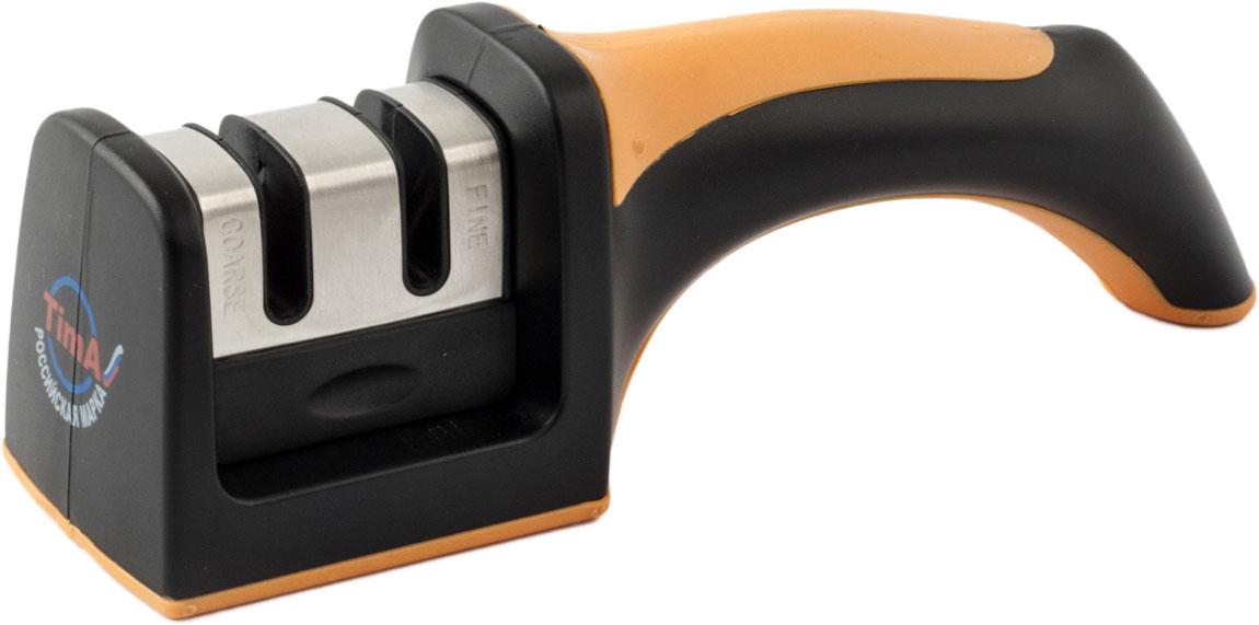 Точилка для ножей TimA выполнена в виде удобного держателя со сменными затачивающими блоками. Сменный блок имеет две группы резцов: COARSE – для грубой (предварительной) заточки лезвия, и FINE – для точной заточки (доводки) лезвия. Резцы установлены таким образом, что обеспечивают оптимальный угол заточки лезвия ножа. Нижняя часть держателя имеет силиконовое покрытие, предотвращающее скольжение держателя при использовании точилки. В верхней части держателя имеется декоративная вставка из силикона. Точилка TimA поможет вам без особого труда заточить все кухонные ножи.