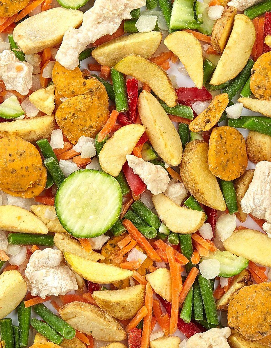 Цыпленок с овощами в соусе