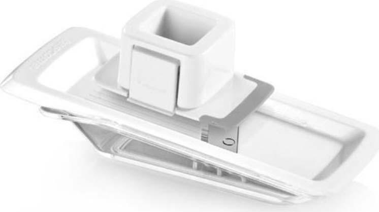 Отлично подходит для тонкой нарезки и мелкого измельчения чеснока. Тонкие дольки нарезаются быстро и безопасно. Лезвия из высококачественной нержавеющей стали, остальные части из прочной пластмассы. Можно мыть в посудомоечной машине.