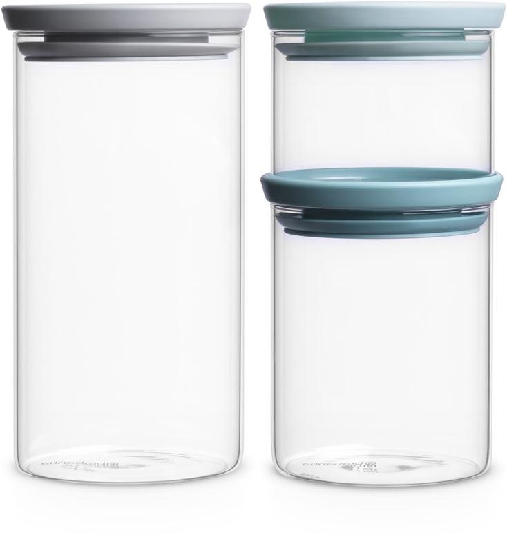 Экономия места – модульная конструкция: банки составляются одна на другую.  Продукты дольше сохраняют свежесть – герметичная крышка.  Хорошо видно содержимое и его объем – прозрачное стекло.  Легко моются – банки и крышки можно мыть в посудомоечной машине.