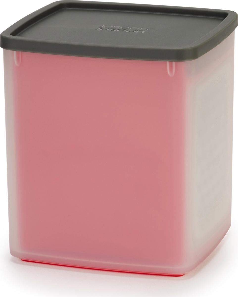 Эргономичная тёрка с контейнером идеально подойдет для измельчения сыра, моркови и других продуктов. Крупное и мелкое лезвия из нержавеющей стали не затупляются и равномерно измельчают твёрдые продукты. Для безопасного и удобного хранения тёрка убирается внутрь контейнера. Особенности и преимущества: - Мерные деления (чашки/мл) - Нескользящая подставка- Компактное хранениеDUO — новая линейка стильных и эргономичных аксессуаров для кухни от Joseph Joseph. Дизайнеры бренда выявили основные проблемы, возникающие в процессе готовки, и создали уникальную коллекцию DUO для привлечения широкого круга покупателей. Они разработали облегчённый дизайн бестселлеров Joseph Joseph, которые соответствуют самым высоким