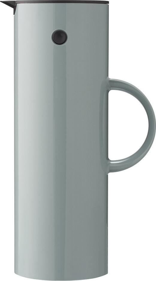 Объем 1 л. Термос предназначен для чая и кофе. Термос не подходит для любых напитков, содержащих жир (например, молоко, какао и т.п.). Свойства поддержания температуры напитка: через 1 час - около 88°C, через 2 часа - около 83°C, через 4 часа - около 78°C, через 6 часов - около 71°C. Идеальная температура свежесваренного кофе, согласно European Coffee Brewing Centre, составляет 80-85°C. Таким образом, теплоизоляционные свойства термоса позволят поддерживать идеальную температуру кофе на протяжении долгого времени. Специальная пробка для пикника позволяет закрыть термос, чтобы напиток не выливался. Таким образом, вы всегда можете взять с собой термос с вашим любимыми напитком, не переживая, что жидкость прольется. Стеклянная емкость сделана из 2-х слоев тонкого стекла с вакуумом между внутренним и внешним стеклами.