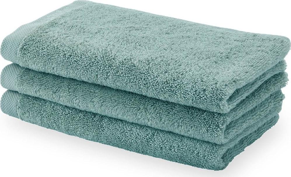 Aquanova- бельгийский бренд, представляющий стильные аксессуары и текстиль для ванной и дома. Это те необходимые предметы, которые делают дом уютным, отражая индивидуальный характер хозяина. Философия бренда – We love to create the look you like – вдохновляет на создание в доме своего собственного, неповторимого стиля. Дизайнеры бренда Aquanova особенно тщательно продумывают цветовые сочетания аксессуаров для ванной и текстиля, материалы и дизайн предметов: какую бы коллекцию вы ни выбрали, она с лёгкостью впишется в ваш интерьер. Привычные дозатор для мыла, стакан для зубных щеток или корзина для белья в исполнении бренда Aquanova превращаются в поистине дизайнерские предметы, которые придадут вашему дому особый стиль.