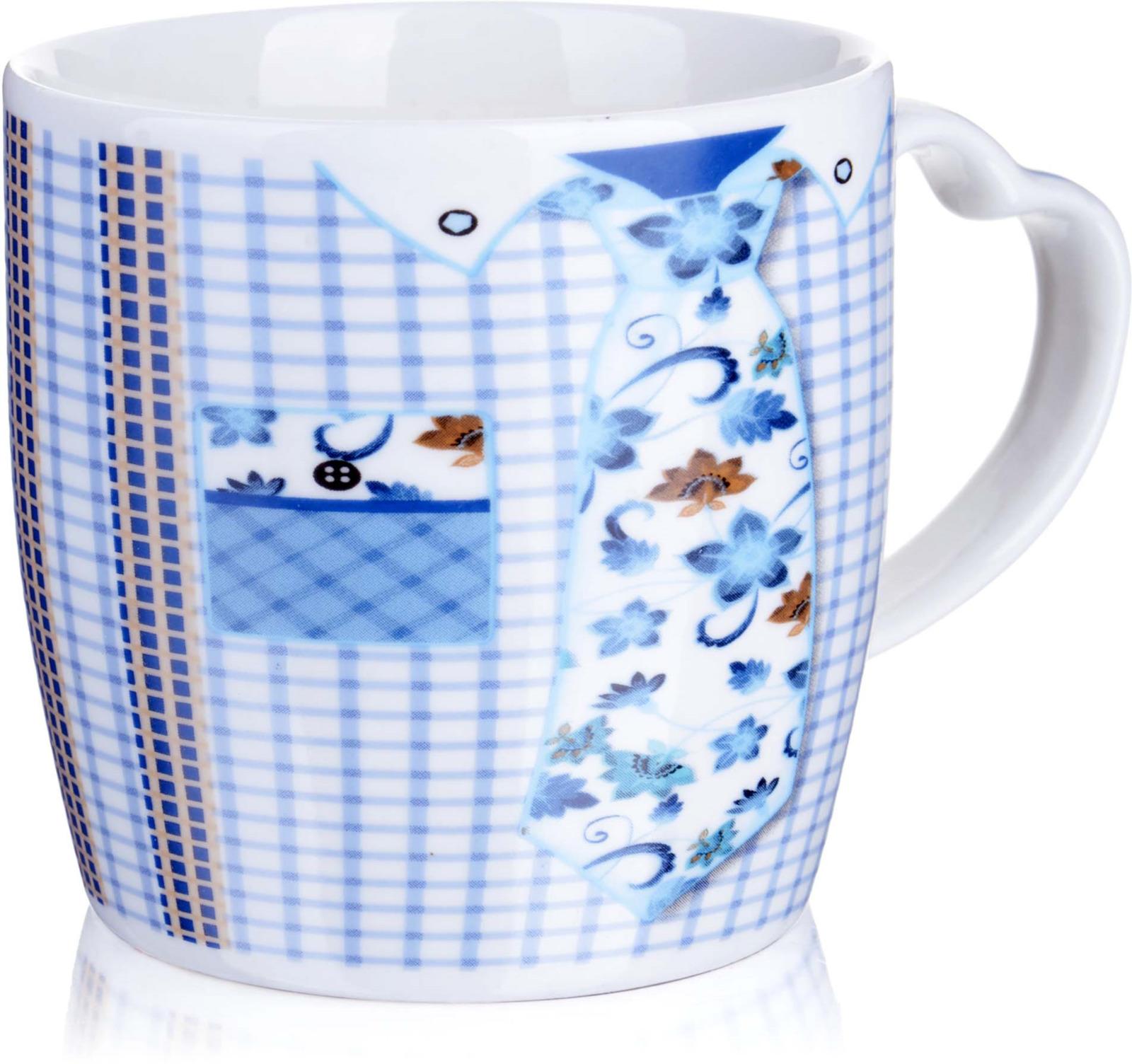 """Кружка, выполненная из керамики в оригинальном дизайне, станет красивым и полезным подарком для ваших родных и близких. Керамика - один из самых древних материалов, который использовали наши предки для изготовления посуды. С древних времен и до наших дней, керамическая посуда занимала важное место на кухне многих хозяек. Сегодня керамическая посуда по-прежнему пользуется большой популярностью и это не удивительно, ведь керамика - экологически чистый материал, который не наносит вреда здоровью, а кроме того керамическая посуда отличается большим разнообразие, поэтому каждый может выбрать изделие по своему вкусу. Кружка украшена ярким рисунком и имеет удобную ручку в форме """"сердца"""". В подарочной упаковке. Подходит для мытья в посудомоечной машине."""