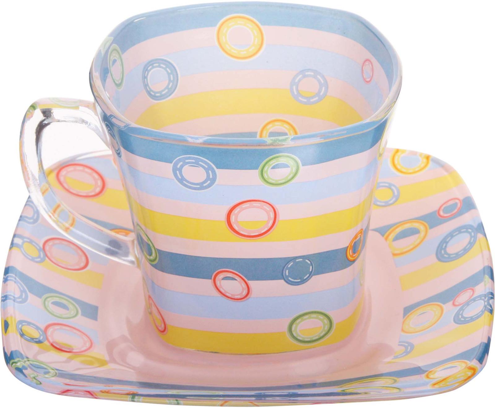 Чайная пара Loraine выполнена из высококачественного прочного цветного стекла и украшена оригинальным рисунком. Чашка и блюдце имеют квадратную форму со скругленными углами. Элегантный дизайн и совершенные формы непременно привлекут к себе внимание и украсят интерьер вашей кухни. Такая чайная пара с станет отличным подарком к любому празднику! Подходит как для горячих, так и для холодных напитков. Подходит для мытья в посудомоечной машине.