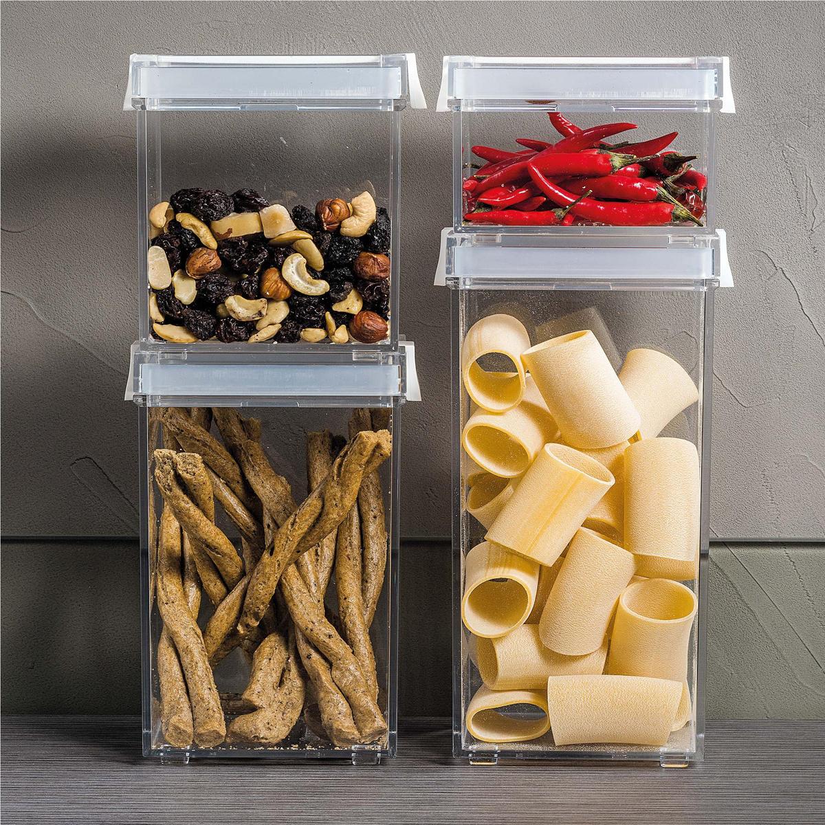 Контейнер из пластика для хранения сыпучих и сухих продуктов незаменим на кухне. Он помогает поддерживать порядок и компактно хранить необходимые под рукой. Его также можно использовать для различных мелочей и принадлежностей для рукоделия. Объем: 1550 мл Размер: 10 x 11 x 22,5 h  Особенности и преимущества: - герметичные крышки сохраняют свежесть продуктов - стильный дизайн и практичная конструкция - подходит для различных продуктов.