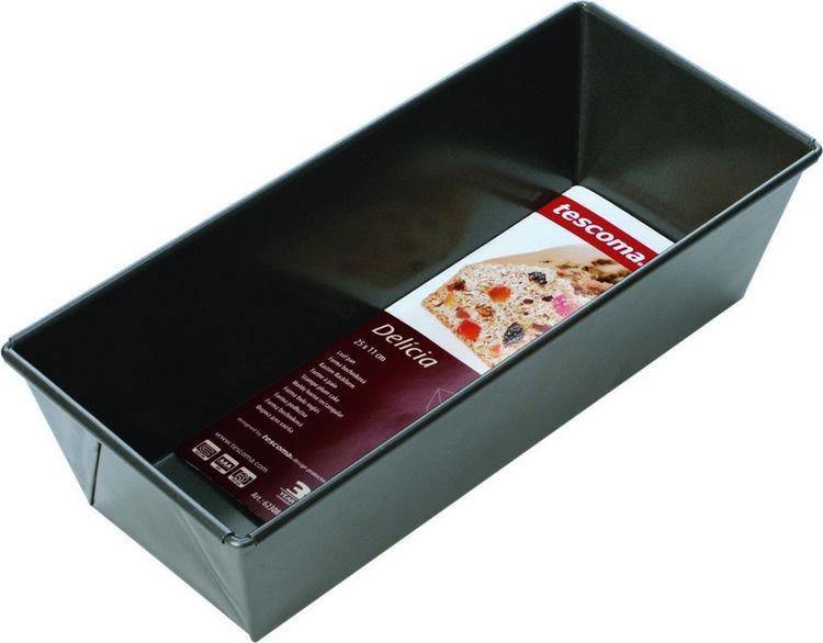 """Прямоугольная форма для выпечки Tescoma """"Delicia"""" выполнена из  высококачественной  стали и снабжена антипригарным покрытием, что обеспечивает  форме прочность и долговечность. Форма равномерно и быстро прогревается,  что способствует лучшему  пропеканию пищи. Данную форму легко чистить. Готовая выпечка без труда  извлекается из нее. Изделие устойчиво к воздействию фруктовых кислот. С  помощью формы легко выпекать хлеб, кексы и рулеты. Форма подходит для  использования в духовке с максимальной  температурой 250°С.  Перед каждым использованием форму необходимо смазать небольшим  количеством масла. Чтобы избежать повреждений антипригарного покрытия, не  используйте металлические или острые кухонные принадлежности.  Можно мыть в посудомоечной машине."""