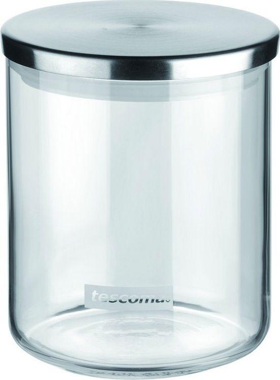 """Емкость для специй Tescoma """"Monti"""", изготовленная из прочного боросиликатного стекла, позволит вам хранить  разнообразные специи. Емкость оснащена плотно прилегающей крышкой, изготовленной из первоклассной нержавеющей стали и прочной пластмассы и снабженная силиконовой прокладкой.  Емкость для хранения специй станет незаменимым помощником на кухне.   Можно мыть в посудомоечной машине, крышку - нельзя.  Диаметр по верхнему краю: 9,5 см. Диаметр дна: 9 см. Высота без учета крышки: 10 см. Высота с учетом крышки: 10,5 см.   Объем: 0,5 л."""