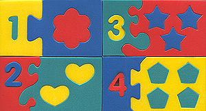 """Мягкая мозаика """"Математический набор"""" состоит из 10 прямоугольных элементов с цифрами, каждый из которых собирается из нескольких частей по принципу мозаики. Можно поиграть в домино, выучить цифры. Обучение происходит во время игры. Благодаря особой структуре материала и свойству прилипать к мокрой поверхности, является идеальной игрушкой для ванны. Развивает у ребенка память, воображение, моторику, пространственное и логическое мышление."""