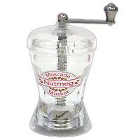 Мельница для мускатного орехаVT-1520(SR)Мельница для мускатного орехаизготовлена из пластика. Она легка в использовании, стоит только покрутить ручку, и вы с легкостью сможете добавить мускатный орех по своему вкусу в любое блюдо. Мельница модного дизайна будет отлично смотреться на вашей кухне. Внимание!Уважаемые клиенты, обращаем ваше внимание на тот факт, что емкость поставляется без мускатного ореха. Характеристики: Страна: Великобритания. Материал: пластик. Размер мельницы (без ручки): 10 см х 5 см х 5 см. Артикул: Н277130.