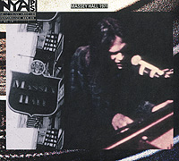 Нил Янг Neil Young. Live At Massey Hall 1971 (CD + DVD)